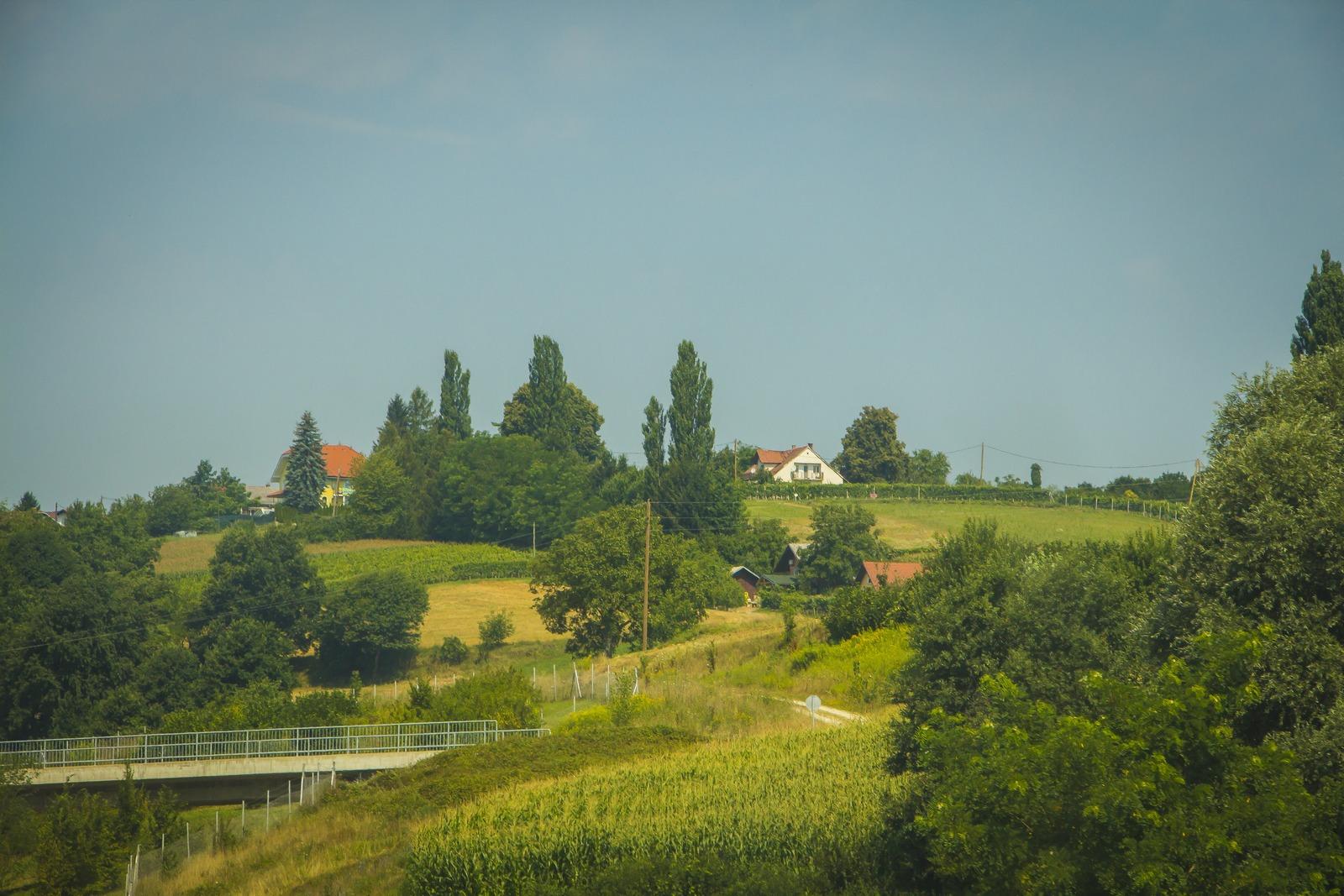 Словения. Виды из окна машины.