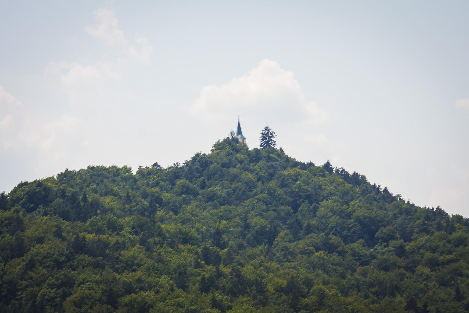 Словения. Домик на горе.