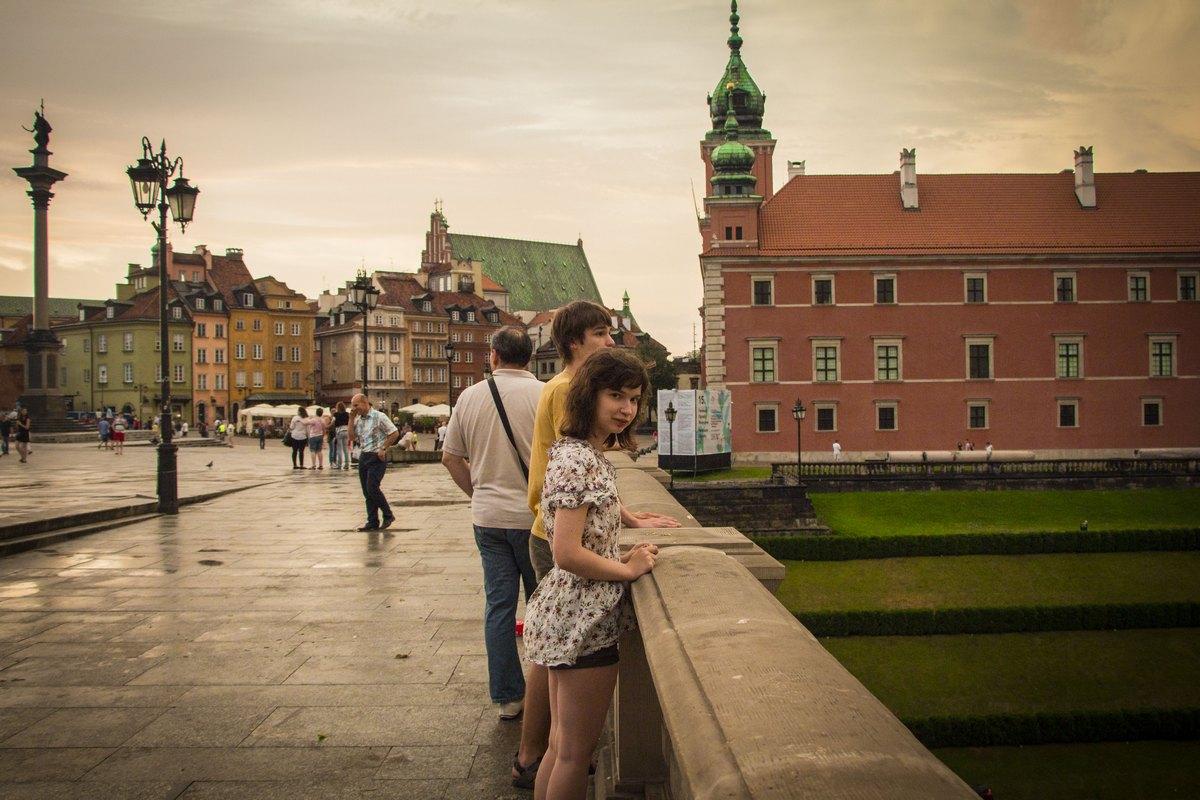У Замковой площади