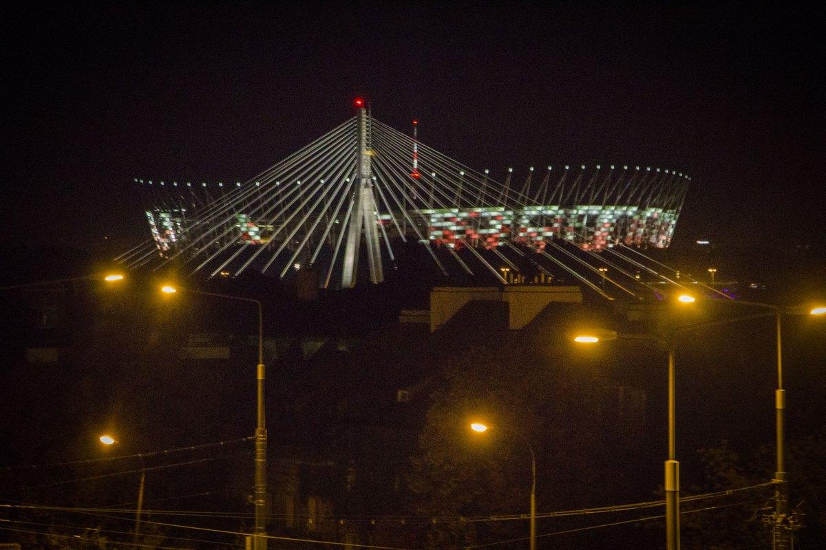 Ночная Варшава. Стадион