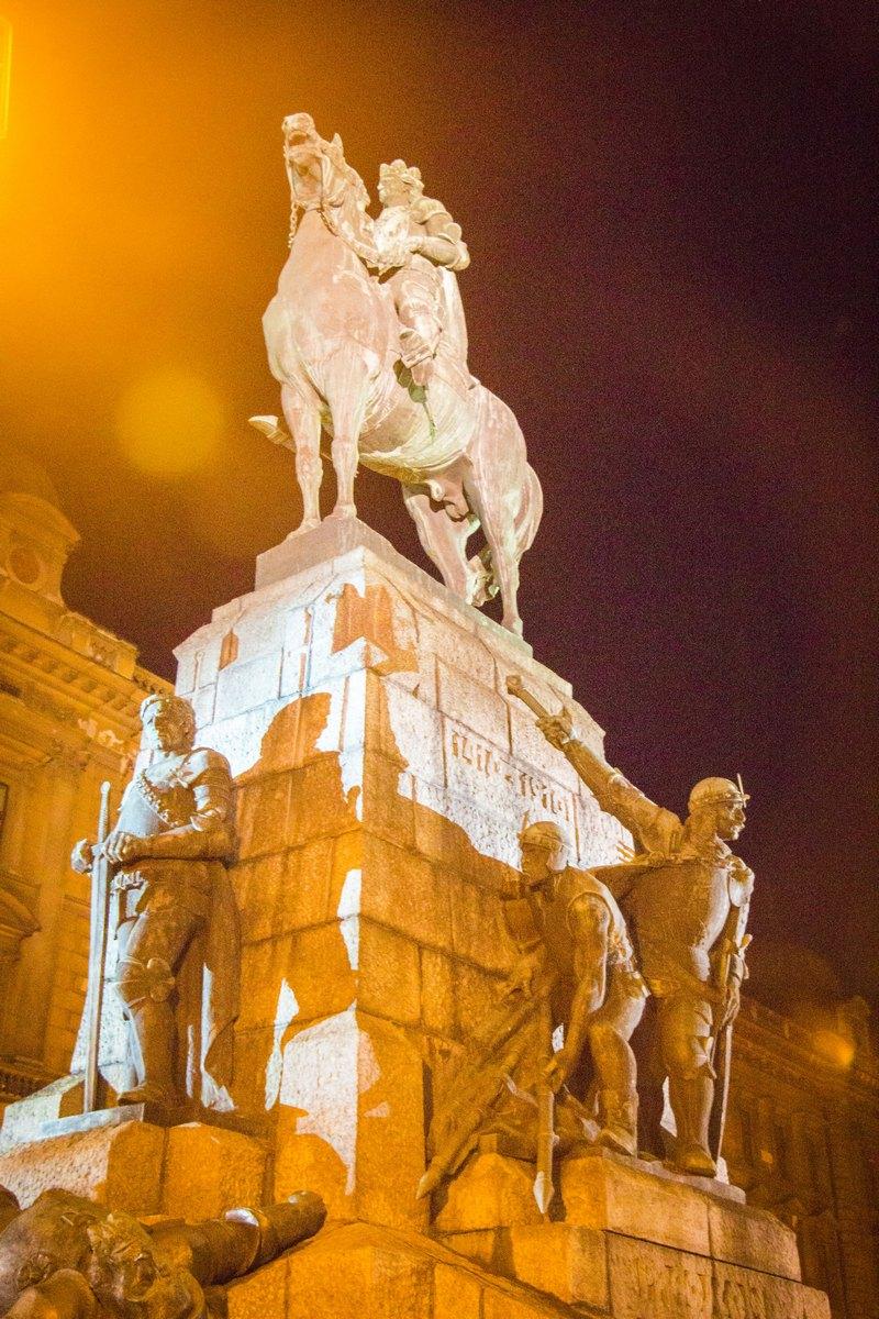 Краков. Королевский Тракт. Памятник Грюнвальдской битвы.