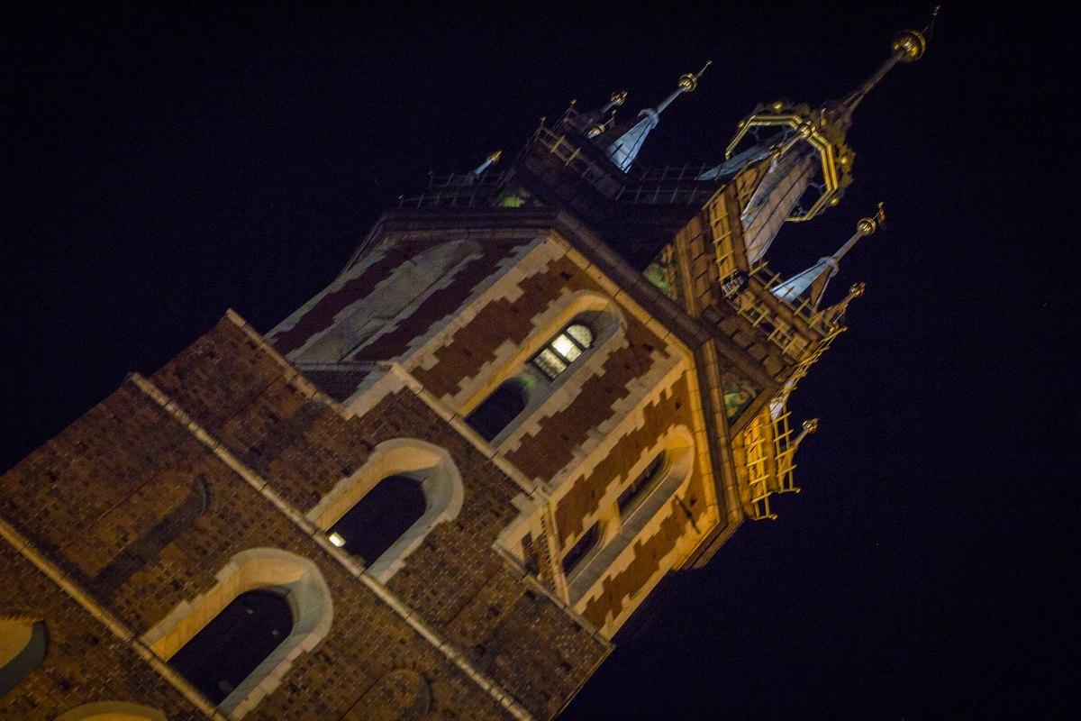 Башня. Мариацкий костел.