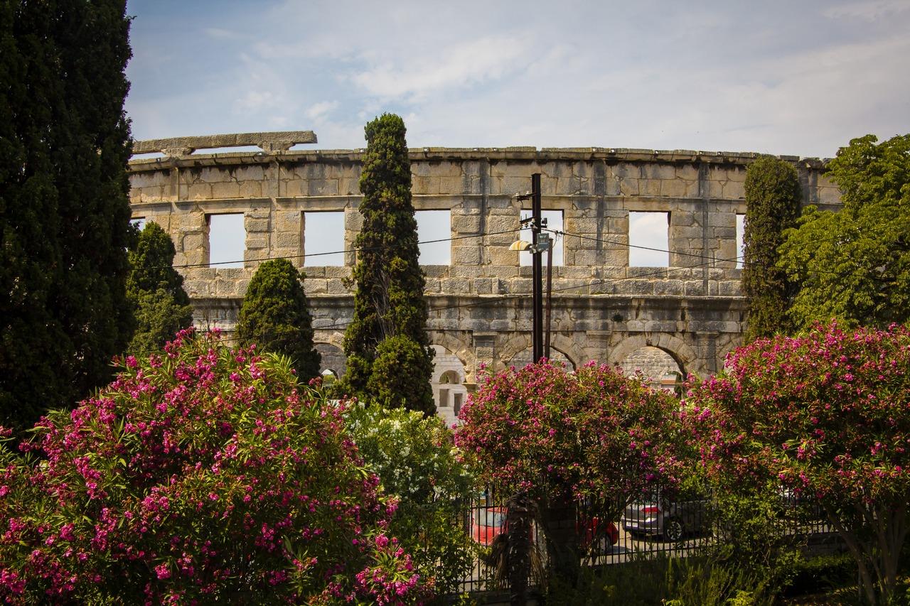 Вид из монастырского садика