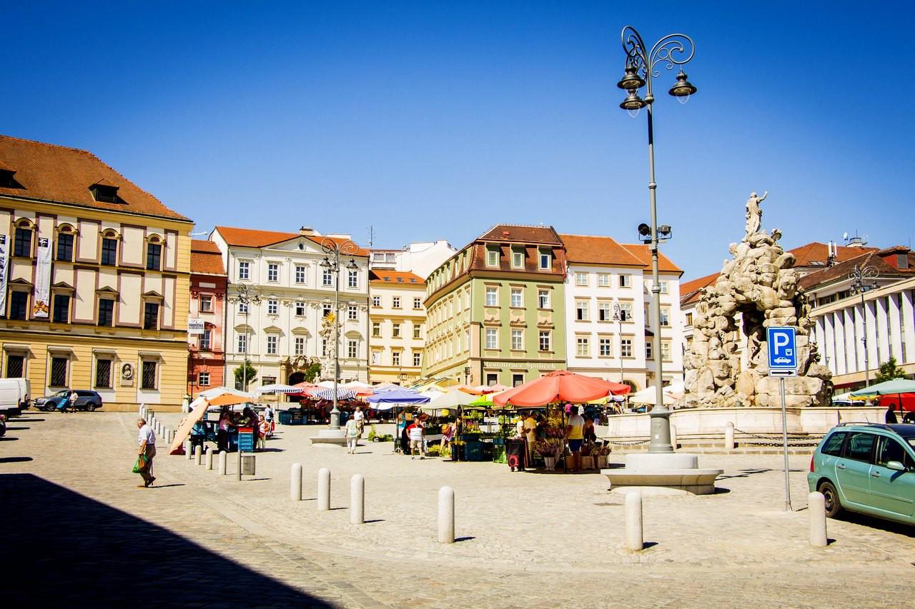 Овощная площадь (Капустный рынок ), с 13 века не меняла своего назначения