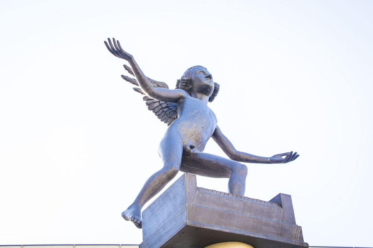Памятник маленькому Моцарту