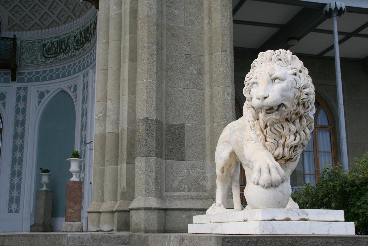 Воронцовский дворец Крым Алупка